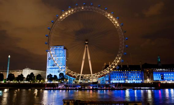 La London eye illuminata in base ai tweet